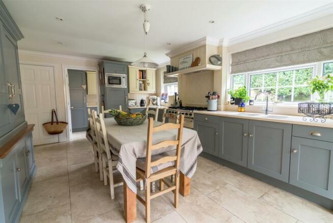 3 - Kitchen view 2.jpg