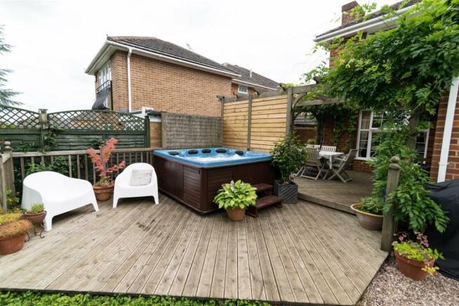 20 - Rear lower deck inc hot tub.jpg