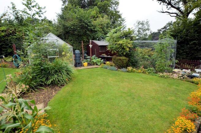 Rear garden 5.jpg