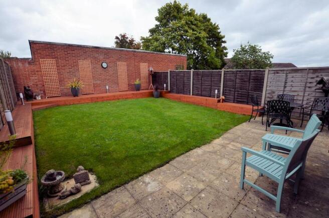 Rear garden 1 .jpg