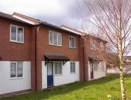 Flat to rent in Didcot Close, Shrewsbury...