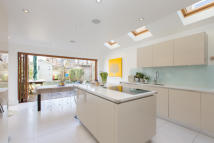 4 bedroom Terraced property for sale in Haverhill Road, Balham...