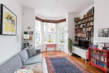 Flat for sale in Ramsden Road, Balham...
