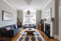3 bedroom Maisonette for sale in Laitwood Road, Balham...