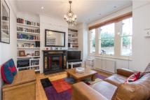 Flat for sale in Western Lane...
