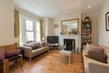 2 bedroom Flat for sale in Hazelbourne Road...