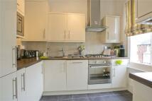 Flat to rent in Ramsden Road, Balham...