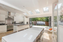 property to rent in Wisley Road, London, SW11