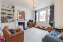 Flat to rent in Kelmscott Road...
