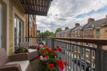 Flat for sale in Bromells Road, Clapham...