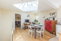 property to rent in Rosebery Road, London, SW2