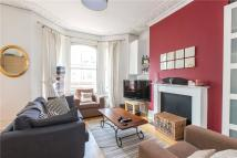 2 bedroom Flat in St Lukes Avenue, Clapham...