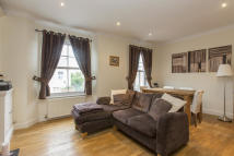 Maisonette to rent in Wingford Road...