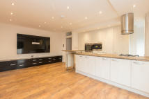 property to rent in Ritherdon Road, London, SW17