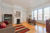 Drakefield Road Flat for sale