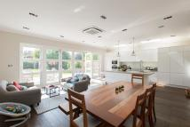 6 bed property in Wandle Road, Tooting...