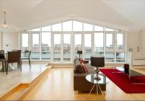 4 bedroom Flat to rent in Cotton Row, Battersea...