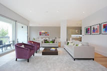 4 bed Flat for sale in Osiers Road, London, SW18