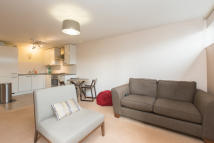 1 bedroom Flat to rent in Petergate, Battersea...
