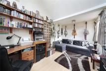 1 bed Flat to rent in Windsor Court, Frogmore...