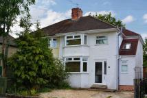 3 bed semi detached house in Headington