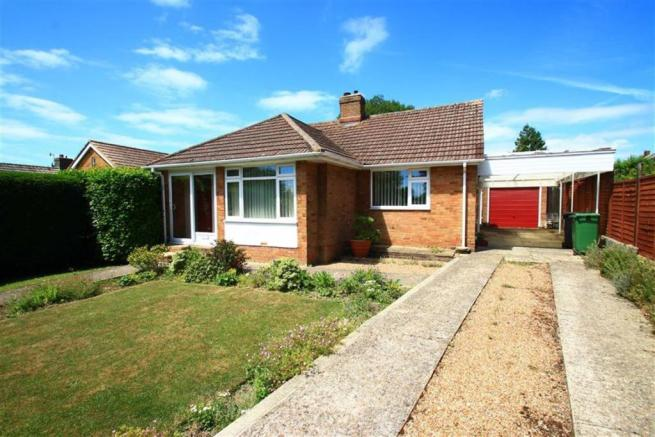 3 Bedroom Detached Bungalow For Sale In Parkstone Road Hastings East Sussex Tn34