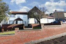 4 bedroom Detached property to rent in Carroll Hill, Loughton