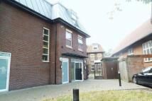 2 bedroom Flat in High Road, Loughton