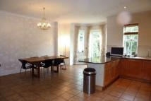 4 bed Town House in Rosebury Square...