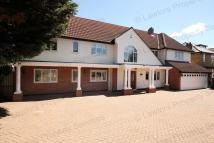 5 bedroom Detached house to rent in Hainault Road, Chigwell