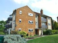 Ground Flat to rent in Chingford Lane...