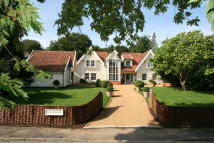 5 bedroom Detached property for sale in Ufford Place...