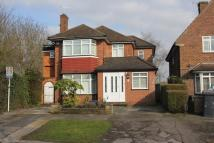 Detached house in Edgwarebury lane...
