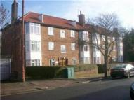 2 bed Flat to rent in Brook Avenue, Edgware...