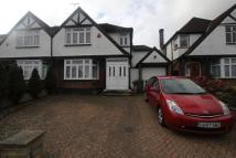 property to rent in Glendale Avenue, Edgware, Middx HA8 8HF