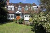 6 bed property in Lake View, Edgware...