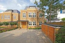 6 bed Detached home for sale in THE GROVE...