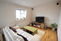 2 bed Flat in DAWS LANE, MILL HILL, NW7