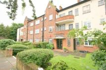 Flat to rent in BRENTWOOD LODGE, HENDON...