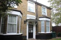 RAYLEIGH CLOSE Flat to rent