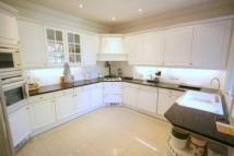 5 bedroom semi detached home to rent in Sunny Gardens Road...