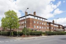 Flat to rent in Hendon Park Mansions...