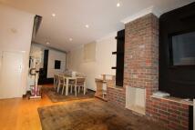 3 bed home in Tenterden Grove, London...