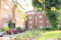 3 bed Flat to rent in Danescroft, Brent Street...