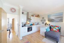 1 bedroom Flat to rent in Rostrevor Road, Fulham...