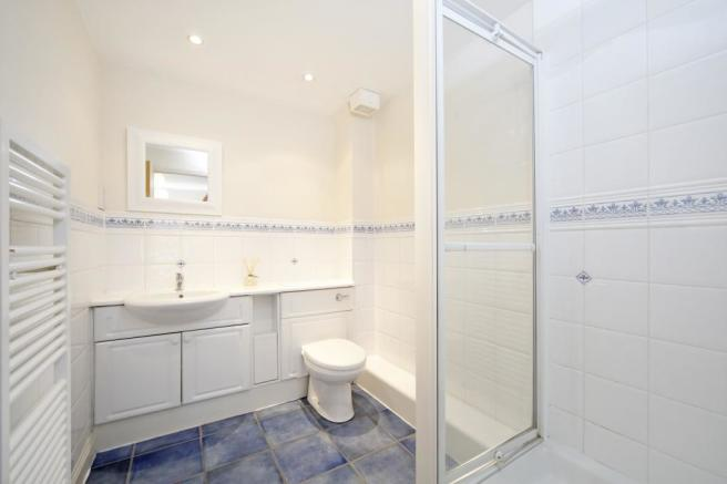 En Suite Bathroom