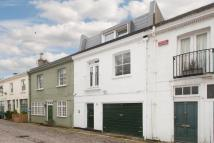 Cottage to rent in Radley Mews, Kensington