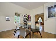 2 bedroom Apartment in Voysey Close  Finchley...