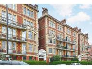 Apartment in Pince of Wales Drive...