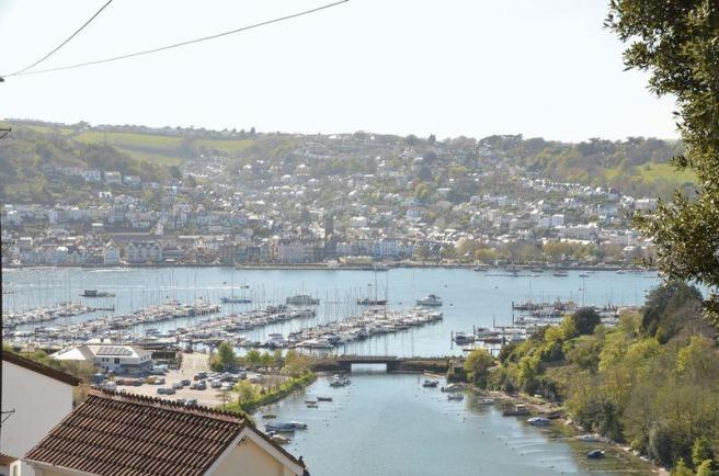 View over Dart...